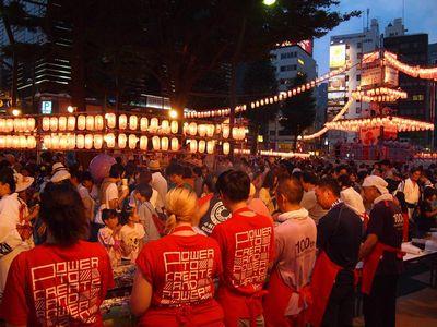 恒例となっている、恵比寿駅前盆踊りにボランティアスタッフとして参加しました。